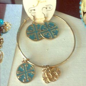 Jewelry - Bracelet & Earring set